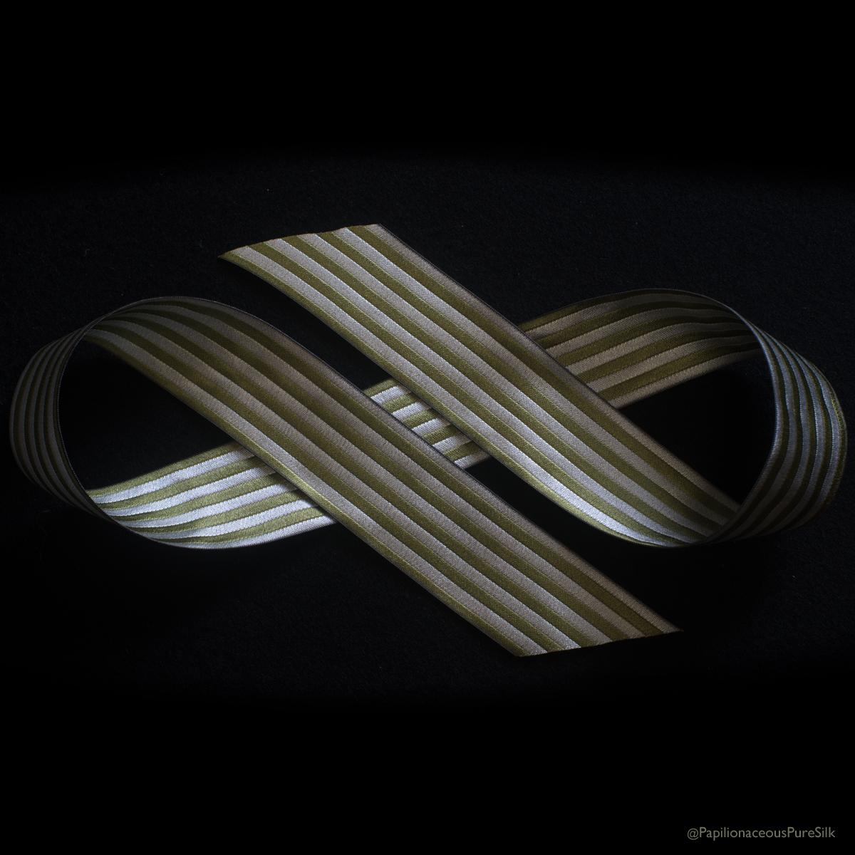 reversible ribbon greenery/natural
