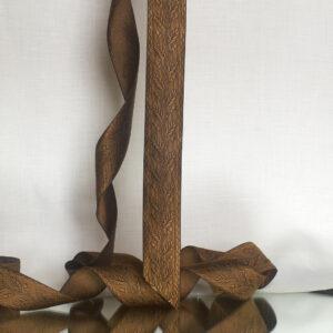 Acorn ribbon. Oak