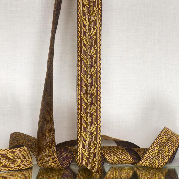 Acorn ribbon, wheta/plum silk
