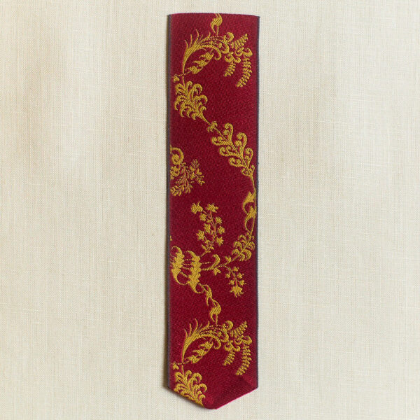 Leman silk bookmark crimson